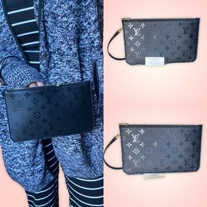 ✨✨LIMITED EDITION✨✨ Wristlet Louis Vuitton